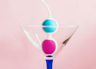 Bolas chinas en copa de Martini