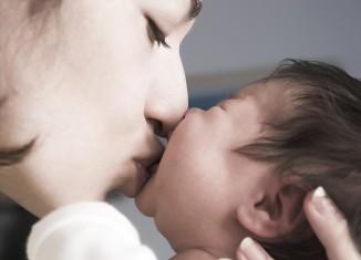 mujer que acaba de dar a luz