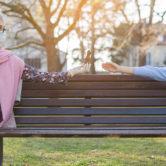 Cómo mostrar afecto sin tocarse: una nueva relación con tus nietos