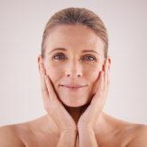 Secretos para redesinficar la piel tras la menopausia